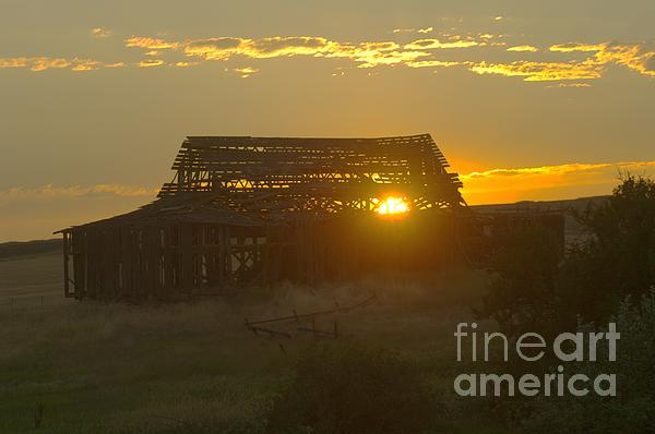 Jeff  Swan - Sunset Behind An Old Barn