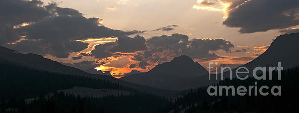 Vivian Christopher - Sunset Panorama Banff National Park