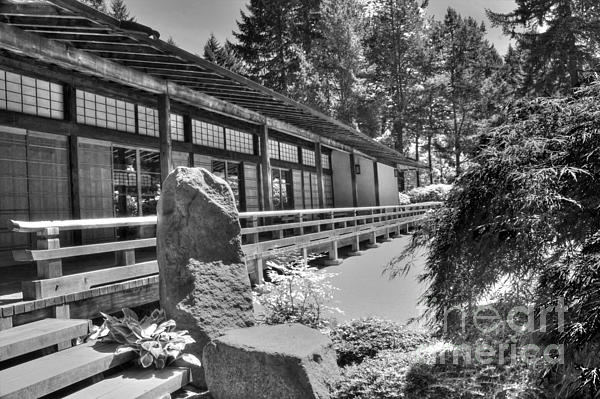 Tea Room At The Japanese Garden Print by David Bearden