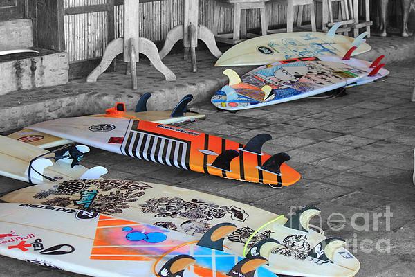 Stav Stavit Zagron - The Colorfulness Of Surfing