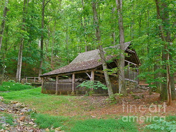 Tobacco barn by eve spring for Tobacco barn house plans