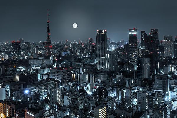 Tokyo 14 Print by Tom Uhlenberg