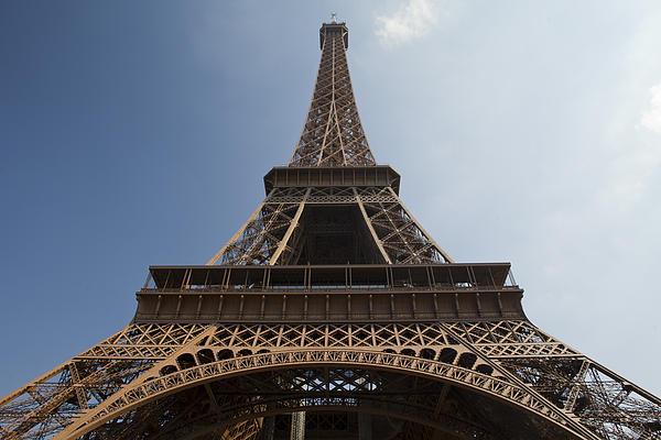 Tour Eiffel 2 Print by Art Ferrier