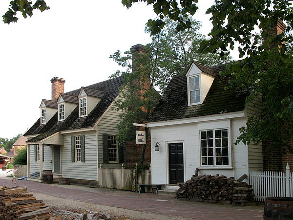 Townscape Colonial Williamsburg Print by Christiane Schulze Art And Photography