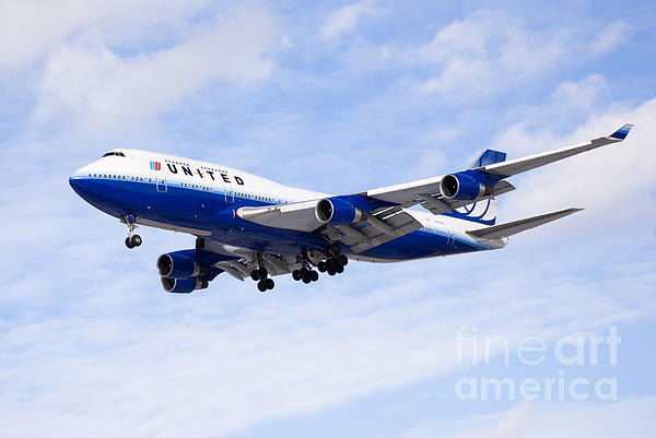United Airlines Boeing 747 Airplane Flying Print by Paul Velgos