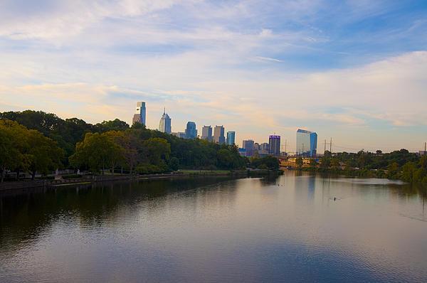 View Of Philadelphia From The Girard Avenue Bridge Print by Bill Cannon