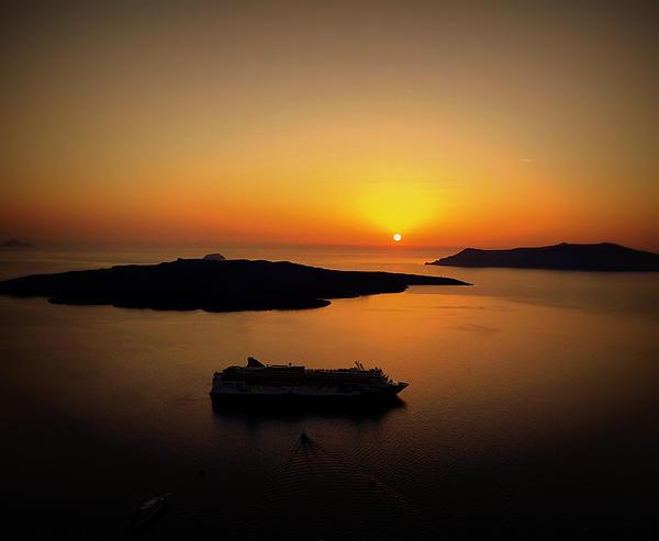 Richard Rosenshein - View Of Santorini Greece