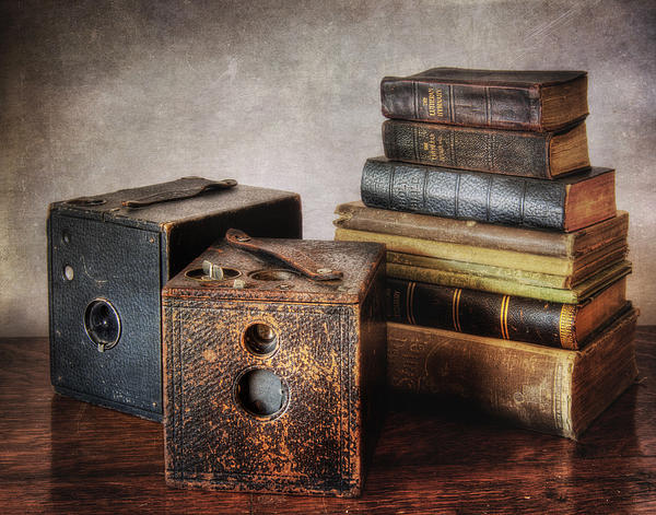 David and Carol Kelly - Vintage Cameras and Books