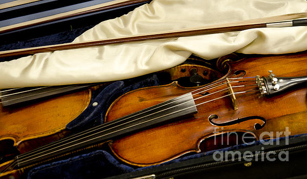 Wilma  Birdwell - Vintage Fiddle in the Case