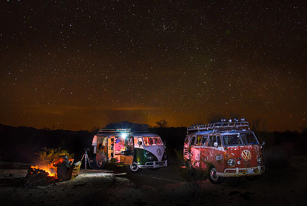 Richard Kimbrough - VW Microbuses Camping Under The Desert Stars