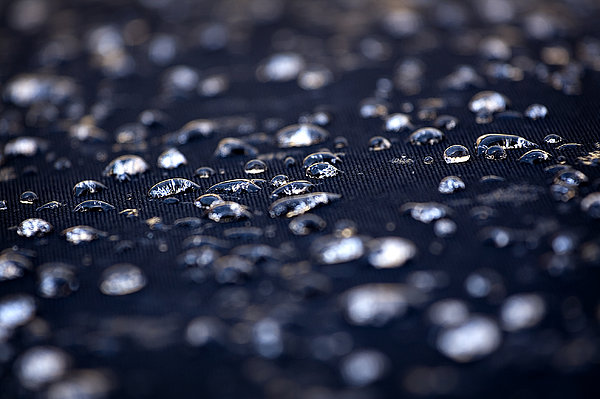 GP Images - Water drops abstract