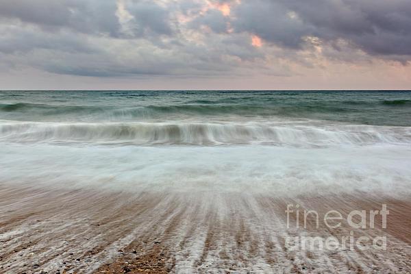 Wave Drag Print by Richard Thomas