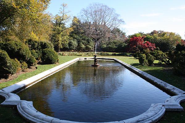 John Telfer - Westbury Garden Fountain