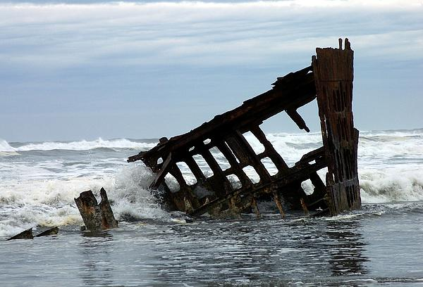 Chalet Roome-Rigdon - Wreck of the Peter Iredale
