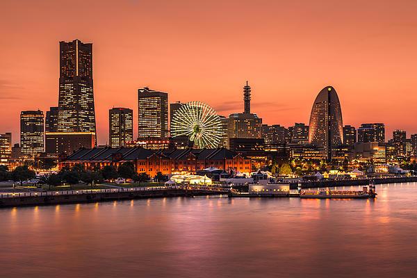 Yokohama 02 Print by Tom Uhlenberg
