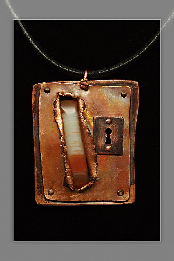 Rustic Copper And Honey Agate Window Pendant Jewelry