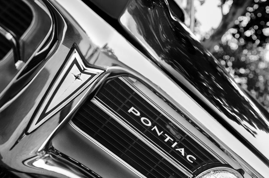 1967 Pontiac Firebird Grille Emblem Photograph by Jill Reger
