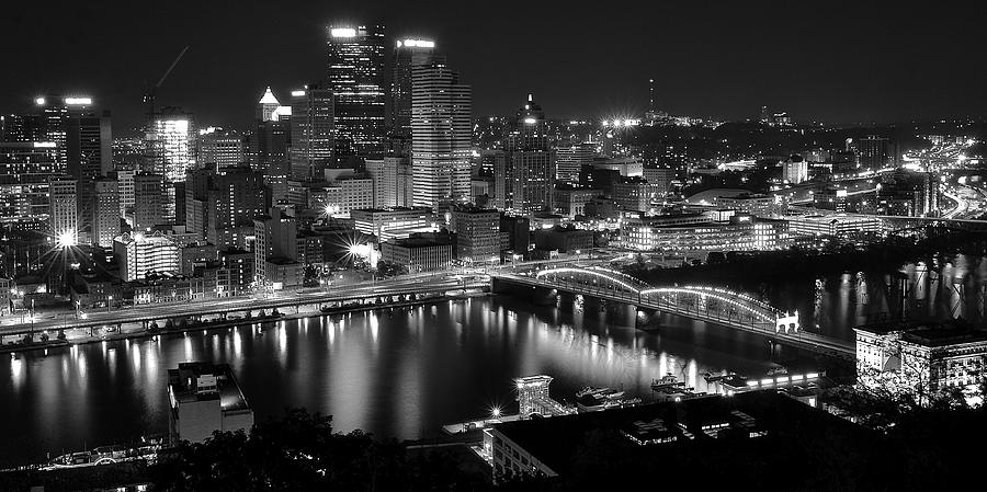 A Pittsburgh Night Photograph