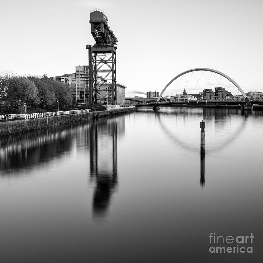 Glasgow Scene Photograph - Finnieston Crane Glasgow by John Farnan