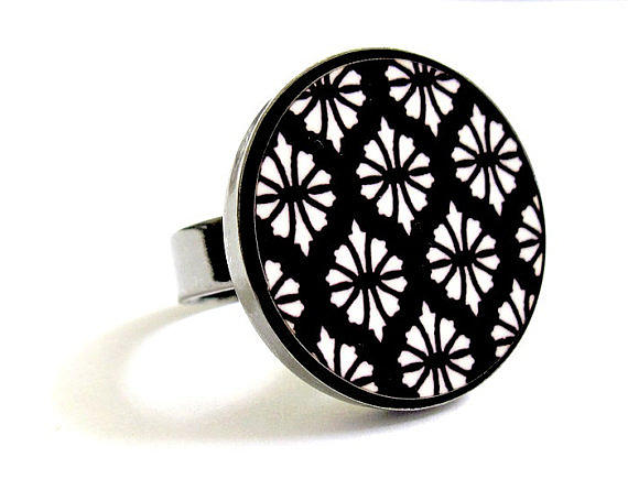 Flowers In Black And White Ring Jewelry