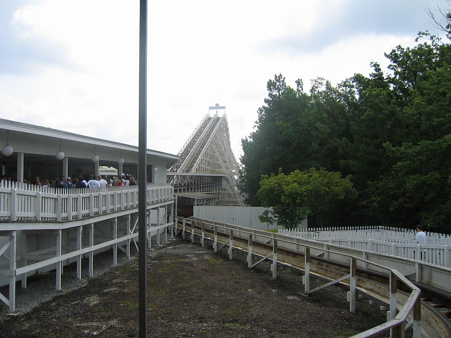 Kings Photograph - Kings Dominion - Rebel Yell - 12121 by DC Photographer