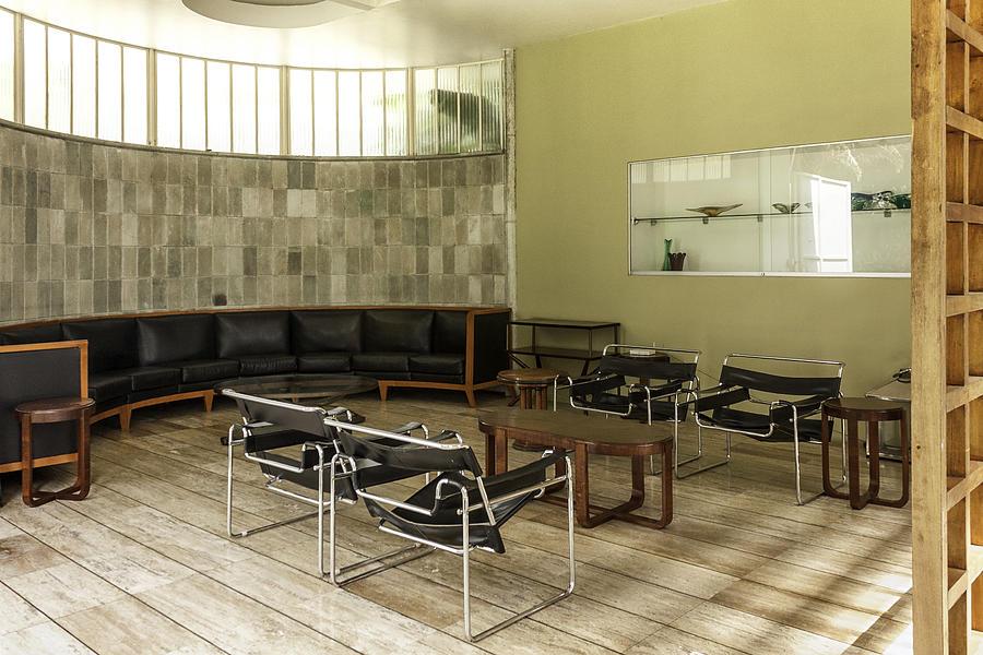 Midcentury Modern Photograph - Midcentury Modern Interior by Lynn Palmer