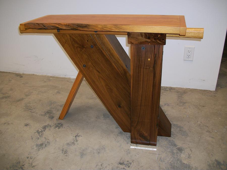 N Table Sculpture
