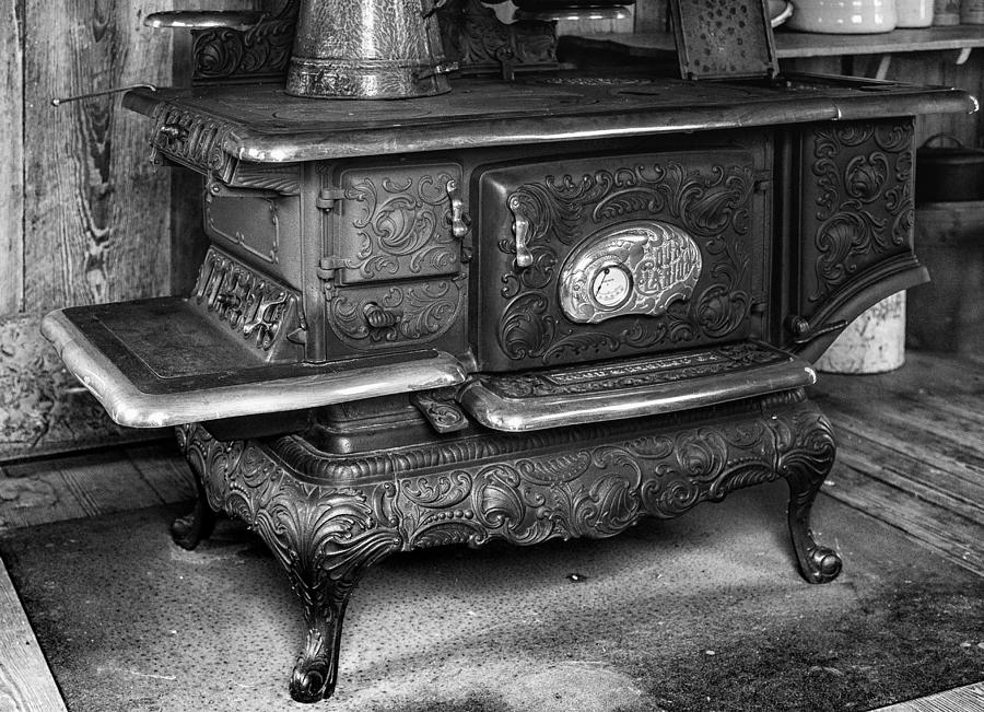 Old Clarion Photograph - Old Clarion Wood Burning Stove by Lynn Palmer