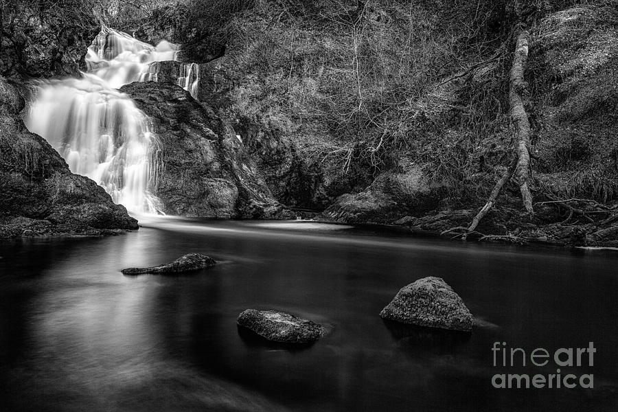 Spectacle Ee Waterfall Photograph  - Spectacle Ee Waterfall Fine Art Print