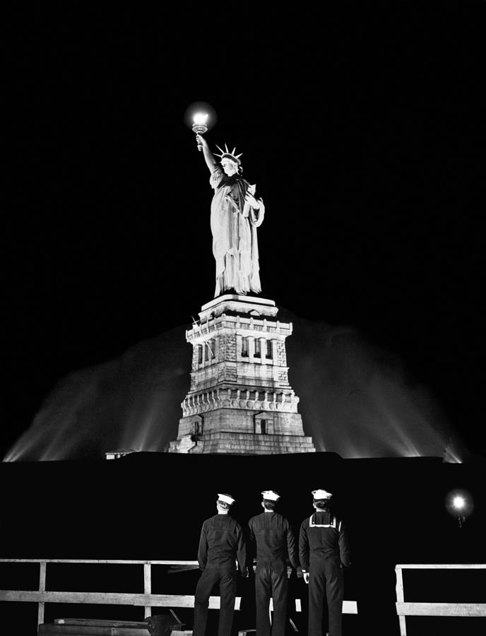 Statue Of Liberty On V-e Day Photograph