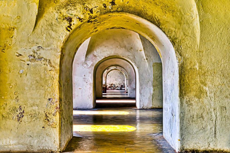 Tunnelvision Photograph