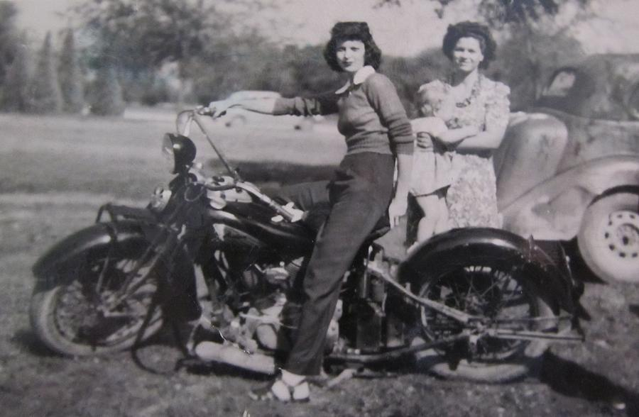 1930 S Indian Motorcycle Mama Photograph By Donna Wilson