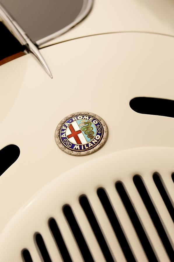 1931 Alfa Romeo 6c 1750 Gran Sport Aprile Spider Corsa Hood Emblem Photograph