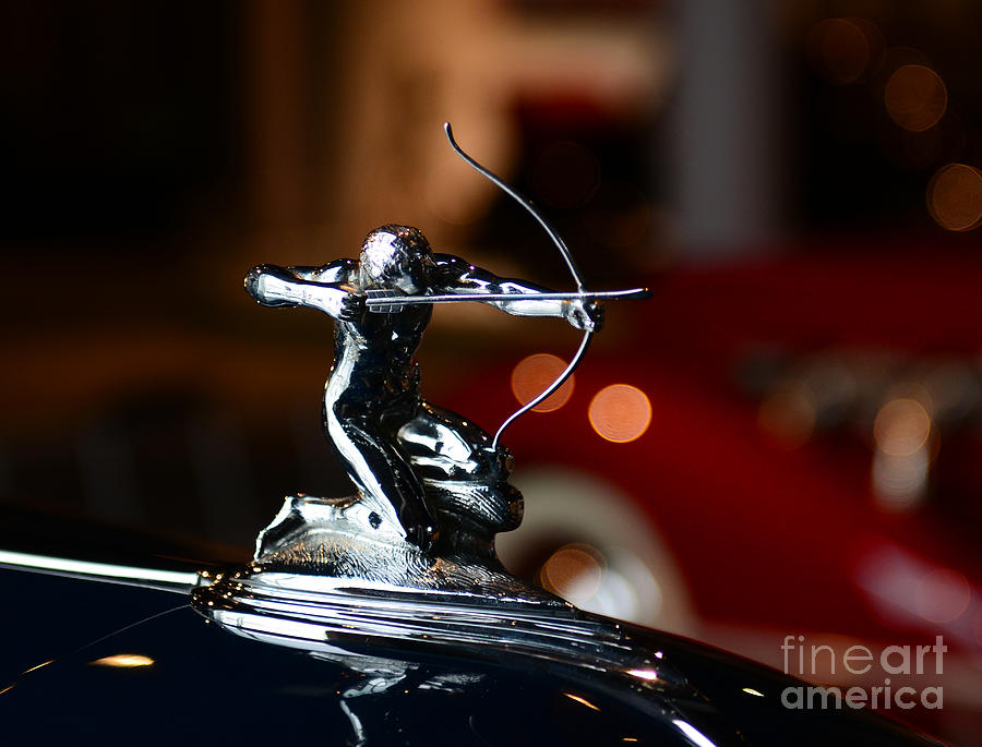 1936 Pierce Arrow 1602 Coupe Photograph - 1936 Pierce Arrow Hood Ornament by Paul Ward
