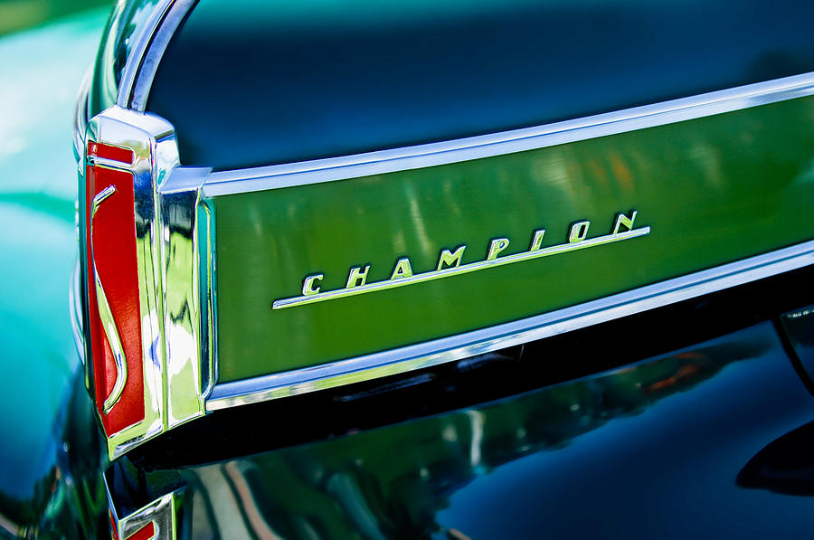 1941 Studebaker Champion Coupe Photograph - 1941 Sudebaker Champion Coupe Emblem by Jill Reger