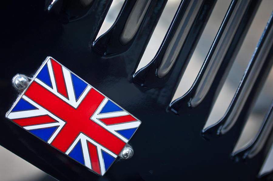 1951 Jaguar Proteus C-type Photograph - 1951 Jaguar Proteus C-type British Emblem by Jill Reger
