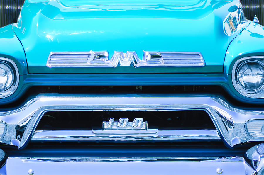 1958 Gmc Series 101 S Pickup Truck Grille Emblem