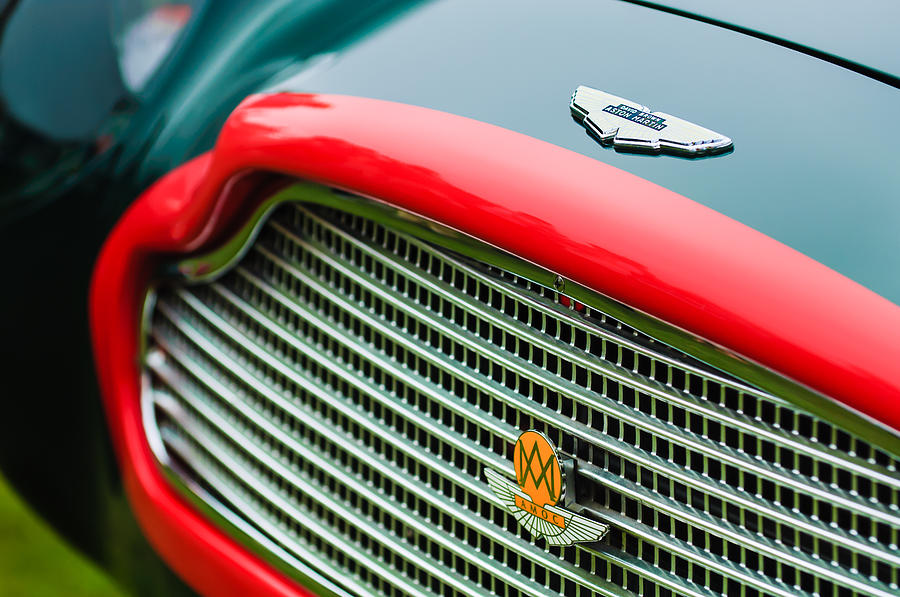 1960 Aston Martin Db4 Gt Coupe' Grille Emblem Photograph - 1960 Aston Martin Db4 Gt Coupe Grille Emblem by Jill Reger