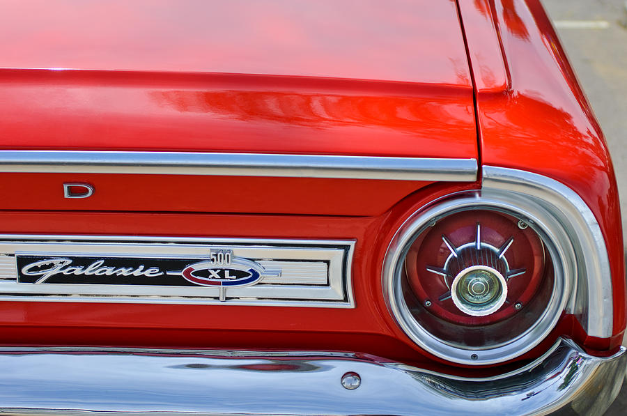 1964-ford-galaxie-500xl-taillight-emblem