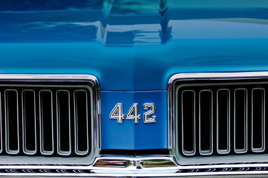 1970 oldsmobile 442 grille emblem photograph by jill reger