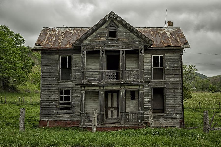 An abandoned house essay