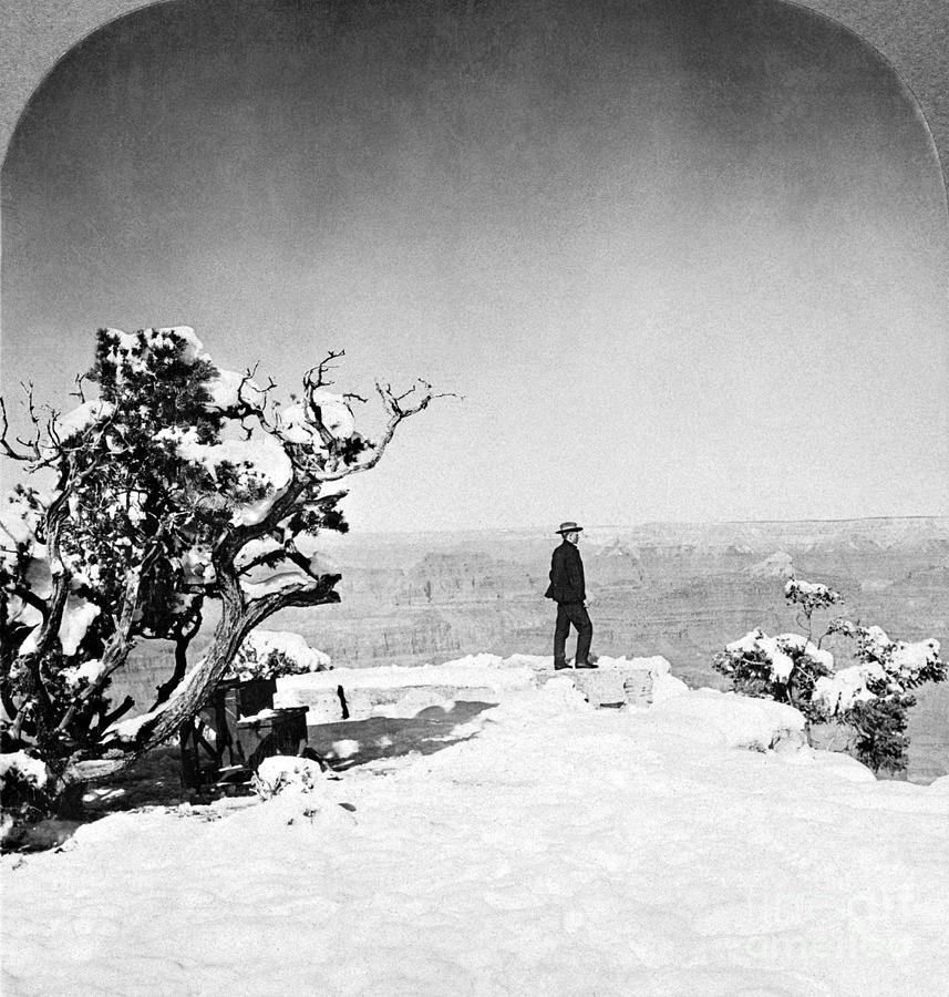 Grand Canyon: Sightseer Photograph