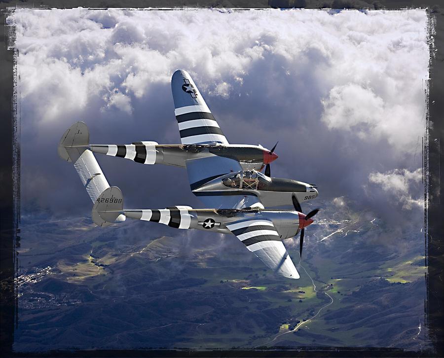 Lockheed P-38 Lightning Canvass Print Photograph - Lockheed P-38 Lightning by Larry McManus