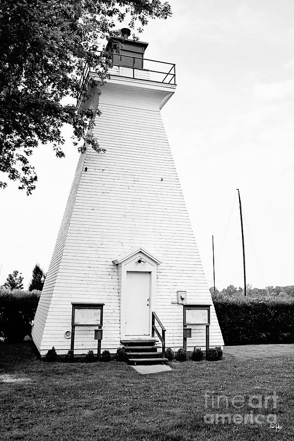 Niagara On The Lake Lighthouse Photograph