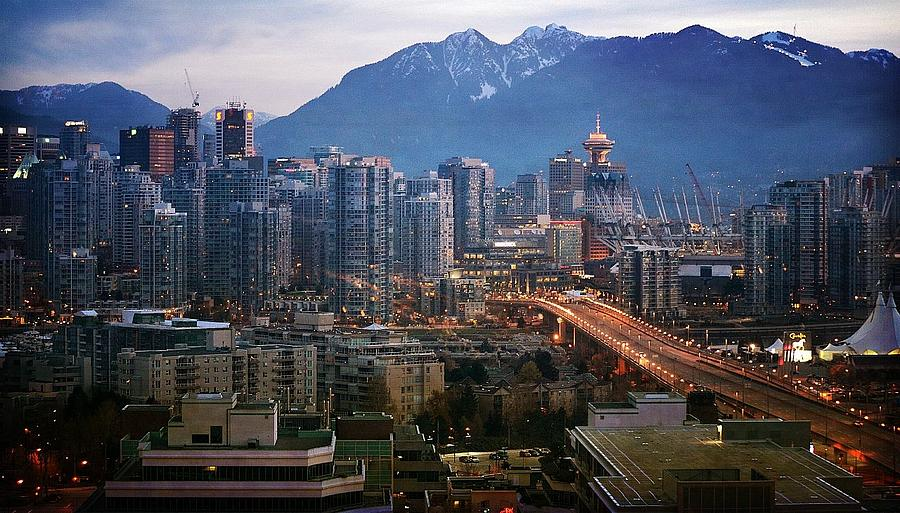 Vancouver Photograph - Sparkle by Fraida Gutovich
