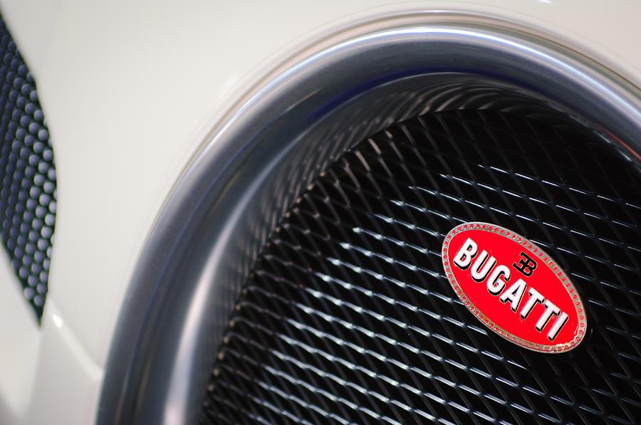 2010 bugatti veyron grand sport grille emblem photograph by jill reger. Black Bedroom Furniture Sets. Home Design Ideas