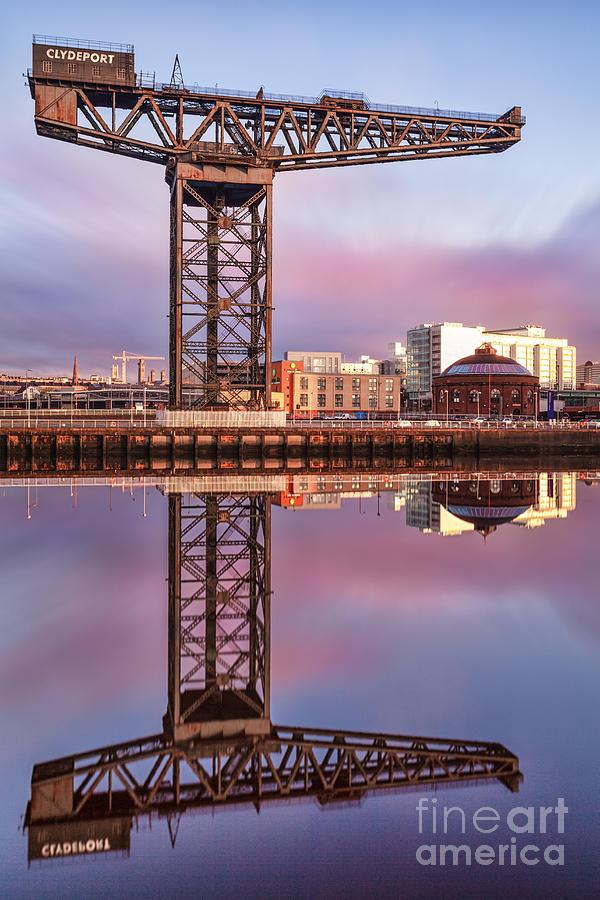 Glasgow Regenerated Photograph - Finnieston Crane Glasgow by John Farnan