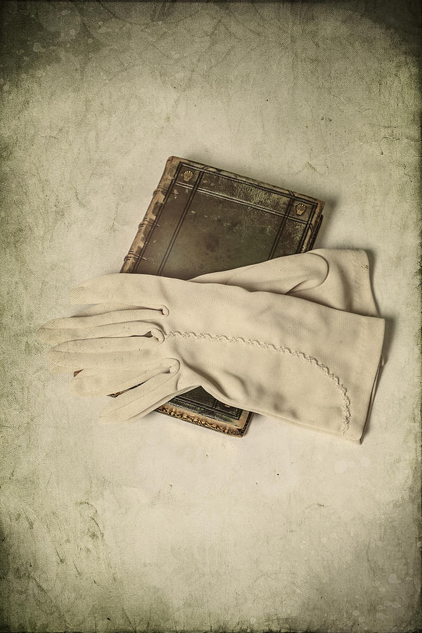 Glove Photograph - Time To Read by Joana Kruse