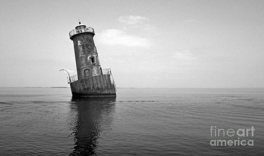 Lighthouses Photograph - Sharps Island Lighthouse by Skip Willits