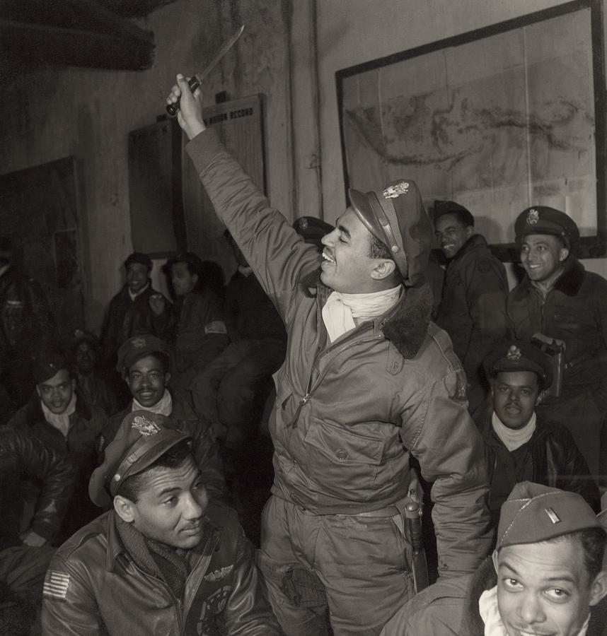 1945 Photograph - Tuskegee Airmen, 1945 by Granger